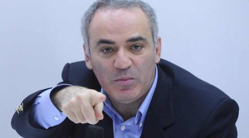 Pavel Durov said that he would not sacrifice his queen for a pawn, meaning telegrams and Smart Voting.  Garry Kasparov answers him