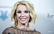 Britney Spears is writing a book