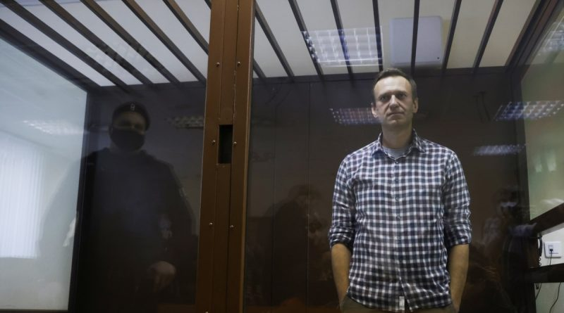 """""""Dedicated to anti-corruption fighters around the world"""" - Navalny on the Sakharov Prize awarded to him"""
