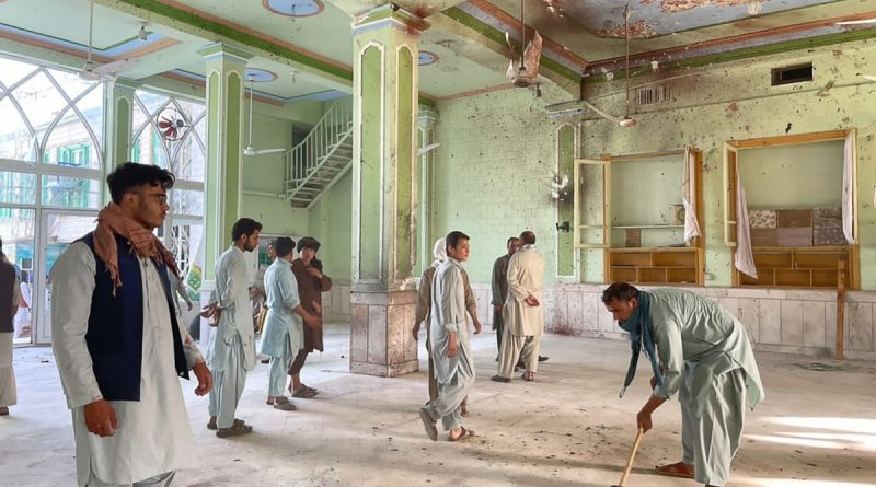 Explosion in a mosque in Kandahar killed more than 30 people, injured dozens