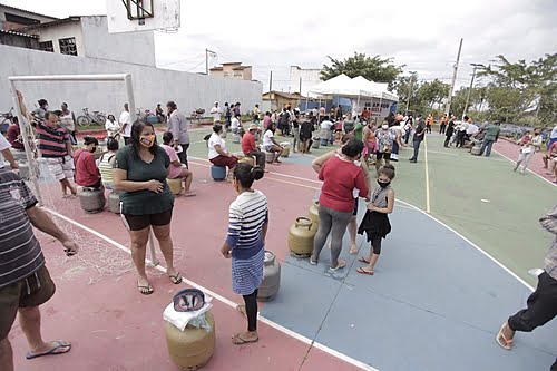 """""""Gas at a fair price"""": action sells kitchen canisters at R$ 50 in Rio das Ostras (RJ)"""