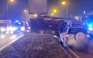 In Kiev, a minibus with passengers flew into a pole, people died