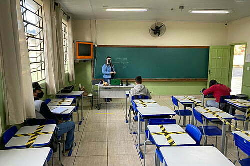 In Rio de Janeiro, the state education system returns to 100% in-person classes