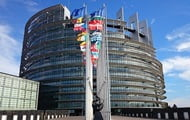 MEPs intend to sue the European Commission over Poland and Hungary