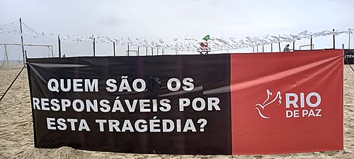 Protest in Copacabana (RJ) honors the 600,000 victims of covid-19 in the country