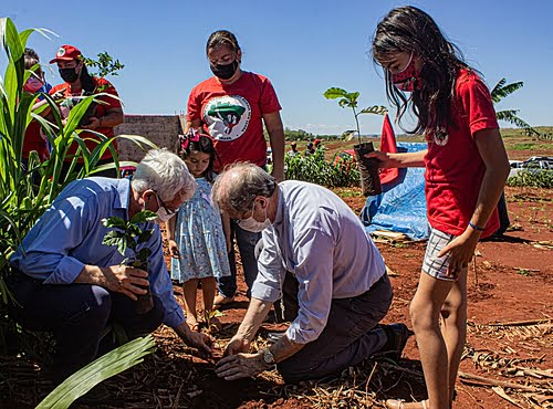 """""""The MST offers a possibility to solve hunger"""", says Dom Bruno Elizeu, bishop of Paraná"""