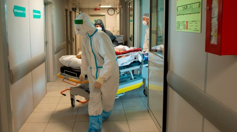 The Ministry of Health of Russia urged to return to work of physicians who retired at the beginning of the COVID-19 epidemic