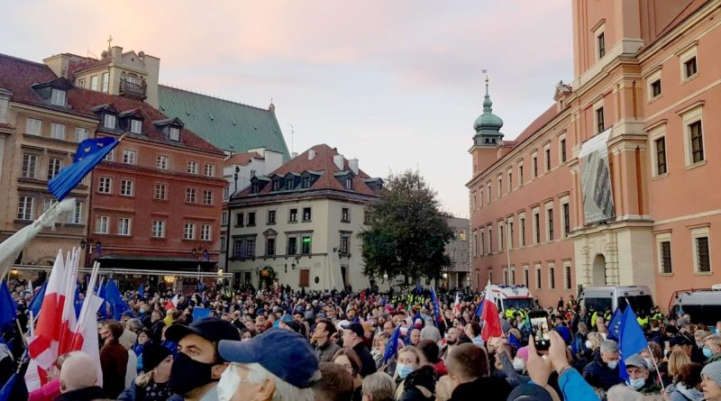 Thousands of Poles took part in actions for the preservation of Poland in the European Union