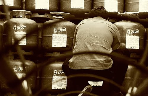 Understand why cooking gas and gasoline will continue to become more expensive in the country